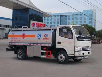 5方万博官网网页版登陆小多利卡加油车